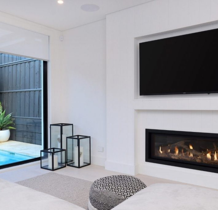 GAS FIREPLACE COMPARISON: LINEAR VERSUS TRADITIONAL